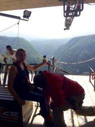 mum-bungee-jump