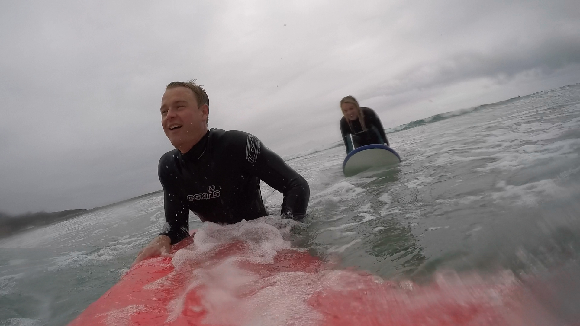 Surfing couple 2