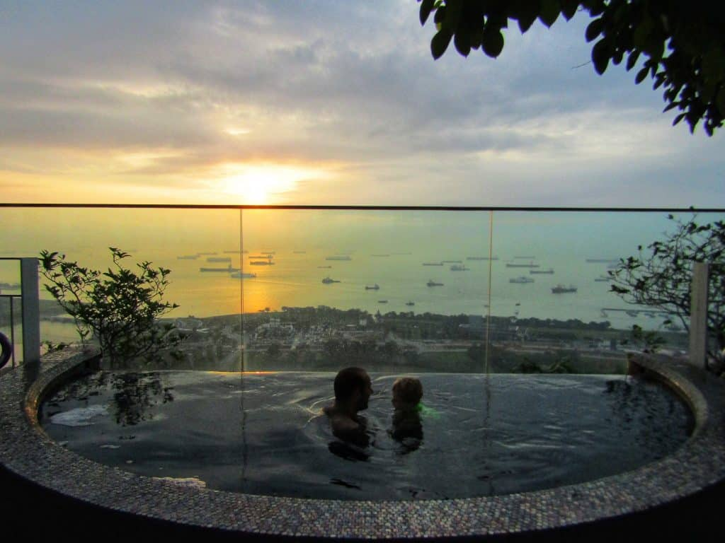 Marina bay sands hot tub
