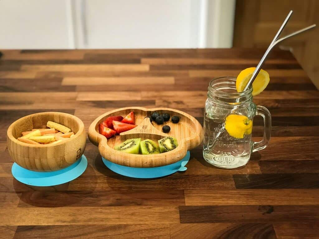 bamboo plates and bowl