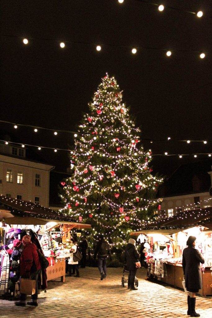 Tallinn Christmas Market - best places for christmas markets