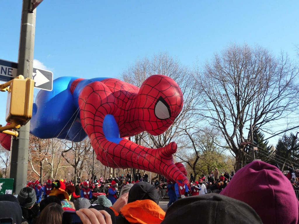 thanksgiving getaways for families - New York City Parade