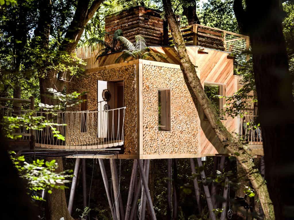 glamping uk near london - Woodman's Treehouse